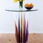 H. Studio - Sivri Ayaklı Renkli Cam Masa